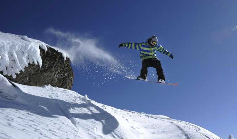 snowboarding in thredbo