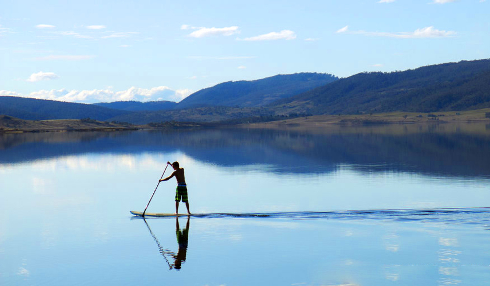 Paddling on Lake Jindabyne
